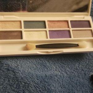 Estee Lauder Makeup - Estee Lauder Eyeshadow Pallet Bundle